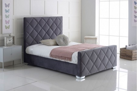 Hand Crafted Carnation Upholstery Bed Full Bed Set